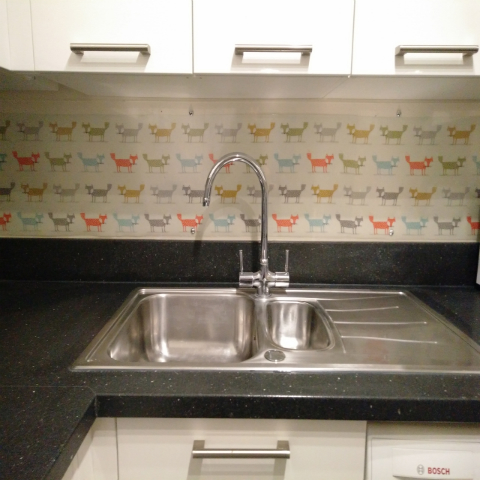 how to clean plastic splashback