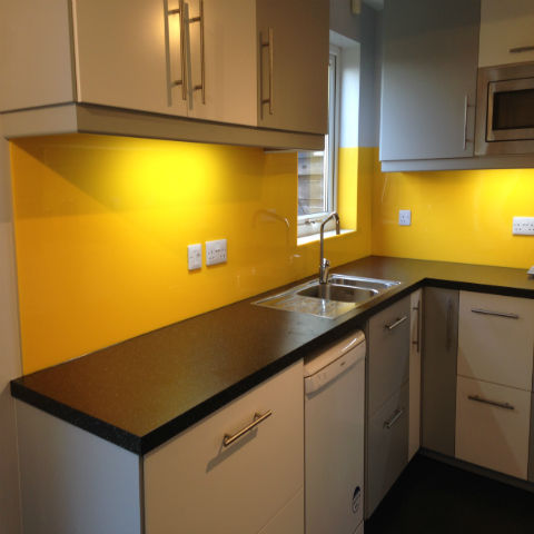 How To Fit an Acrylic Splashback